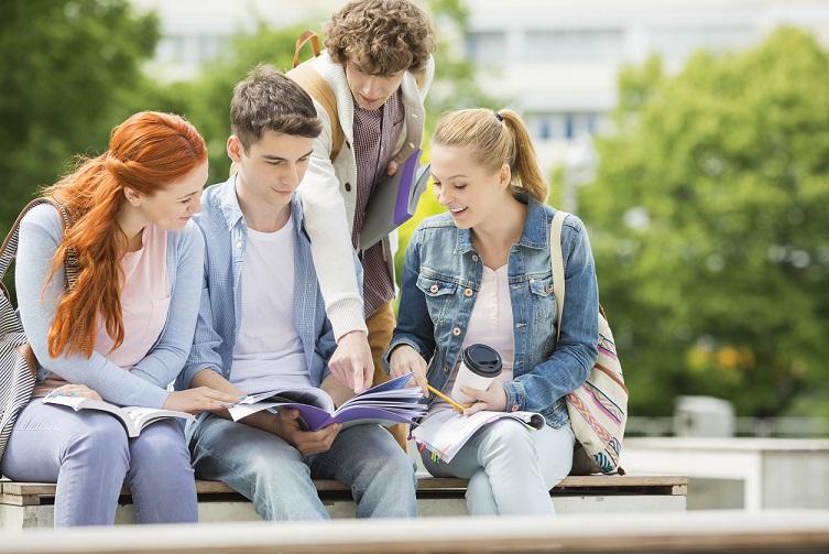 Etudiants en prepa concours médecine paces